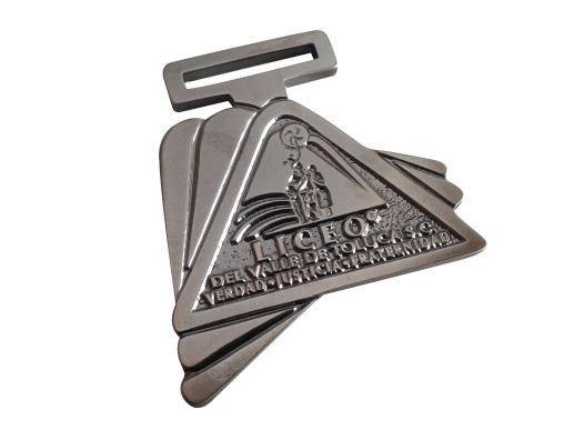 medalla liceo triangular